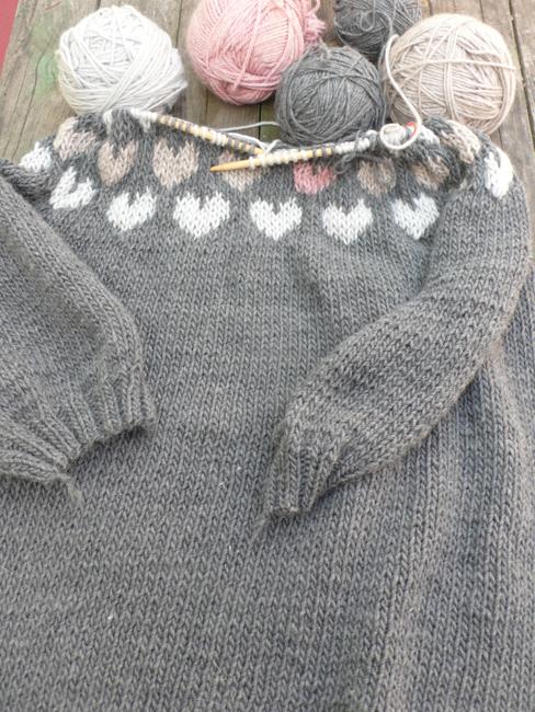 Heart grey sweater 650