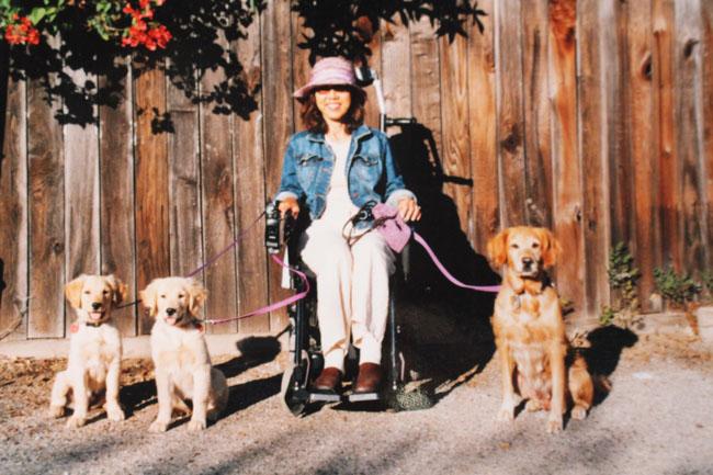 650 Sanae in wheelchair with Kin, Kula and Dore